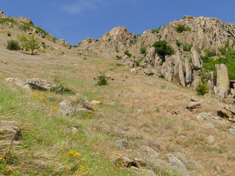 Felssteppe Macin Mt. N.P.  - Foto Ulrike Wizisk  P